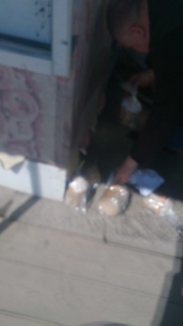 Одесситам предлагают кушать куличи с пола (ФОТО), фото-1