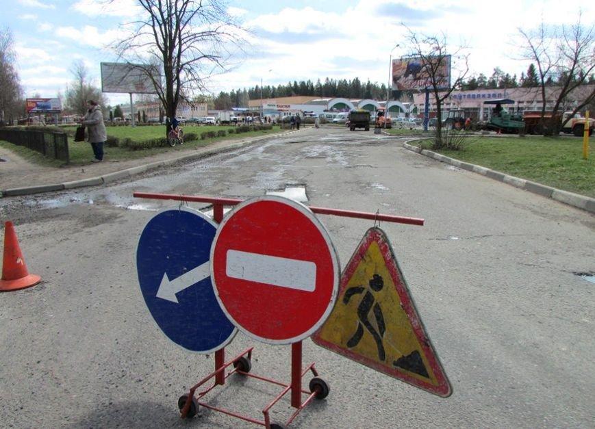 В Новополоцке возле автовокзала чинят дорогу. Движение транспорта ограничено, фото-6