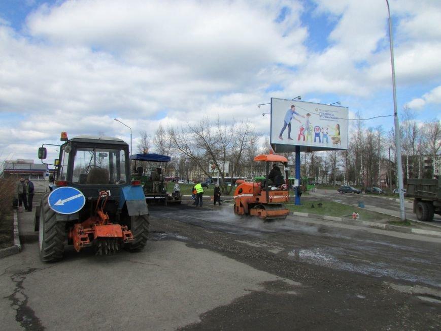 В Новополоцке возле автовокзала чинят дорогу. Движение транспорта ограничено, фото-2