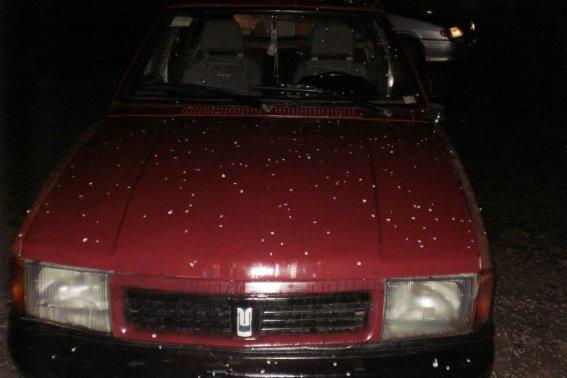 В Ужгороді поліція затримала серійного злочинця, на рахунку якого крадіжки з 10 автомобілів: фото, фото-2