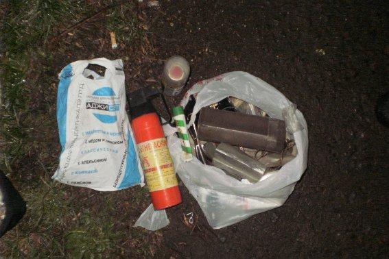 В Ужгороді поліція затримала серійного злочинця, на рахунку якого крадіжки з 10 автомобілів: фото, фото-4