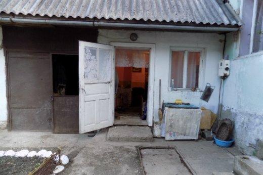 """На Закарпатті 48-річна жінка дерев'яною палицею вбила свою матір, а потім викликала """"швидку"""": фото, фото-2"""