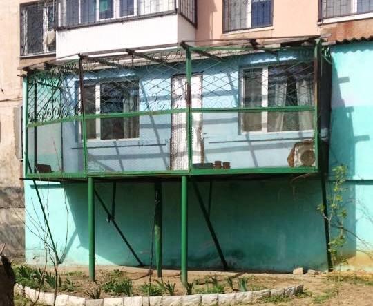 В Херсоне к пристройке пристроили балкон (фото), фото-1