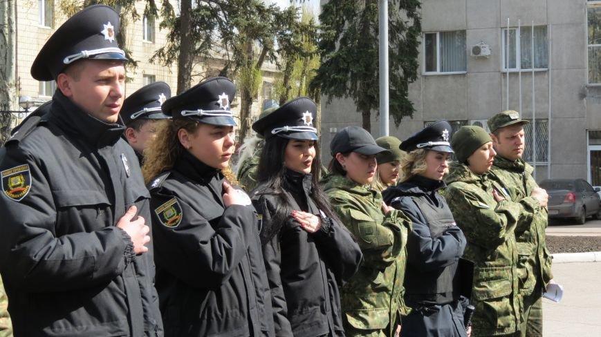В связи с пасхальными праздниками, полиция Покровска переходит на усиленный вариант несения службы, фото-2