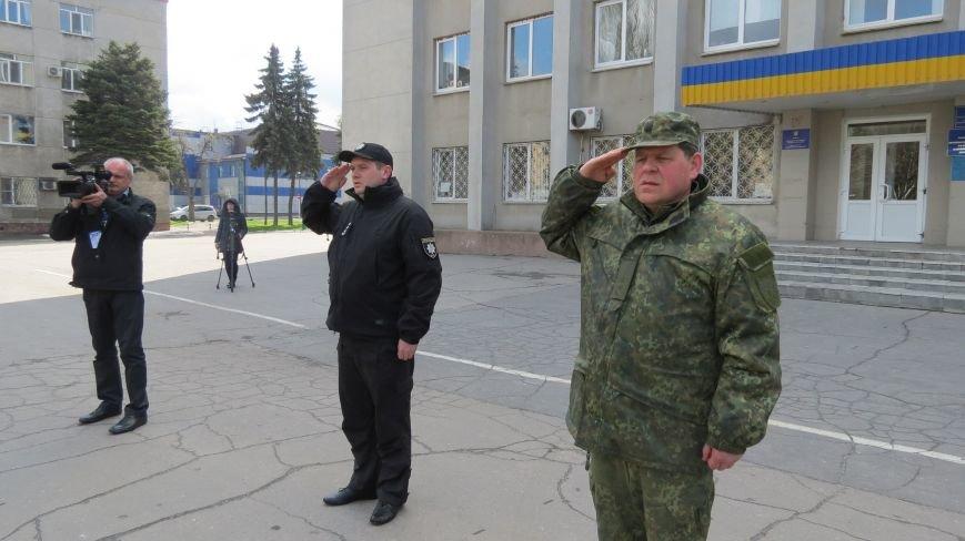 В связи с пасхальными праздниками, полиция Покровска переходит на усиленный вариант несения службы, фото-4