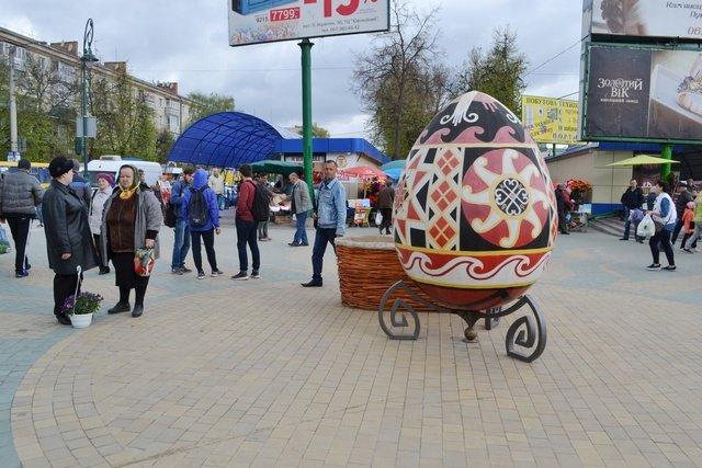 Завершено благоустрій алей на проспекті Грушевського, фото-1