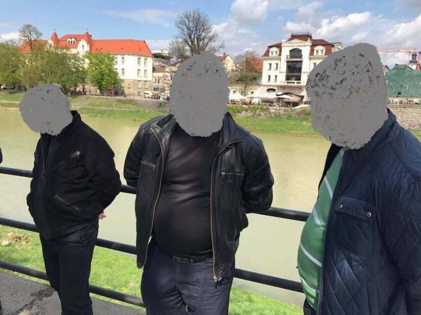 Прокуратура розповіла деталі затримання хабарників із внутрішньої безпеки ДФС в Ужгороді: фото, фото-1
