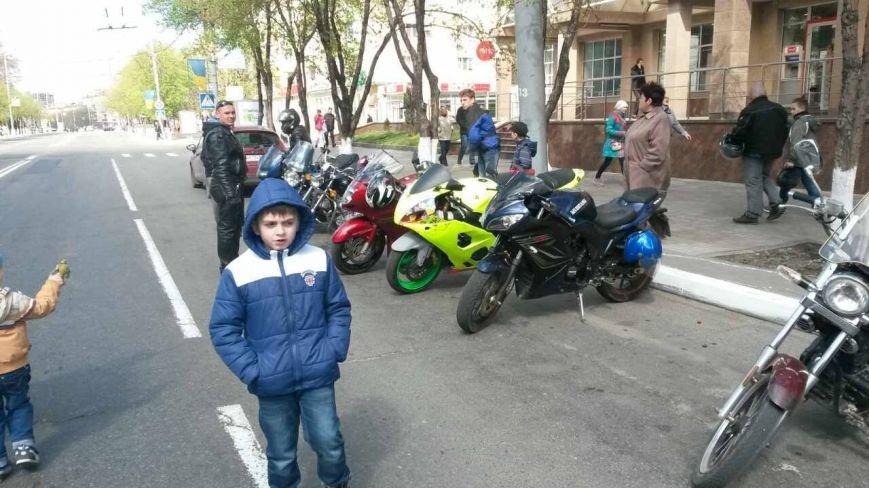 Сотни байкеров проехались по улицам Мариуполя (ФОТО+ВИДЕО), фото-21
