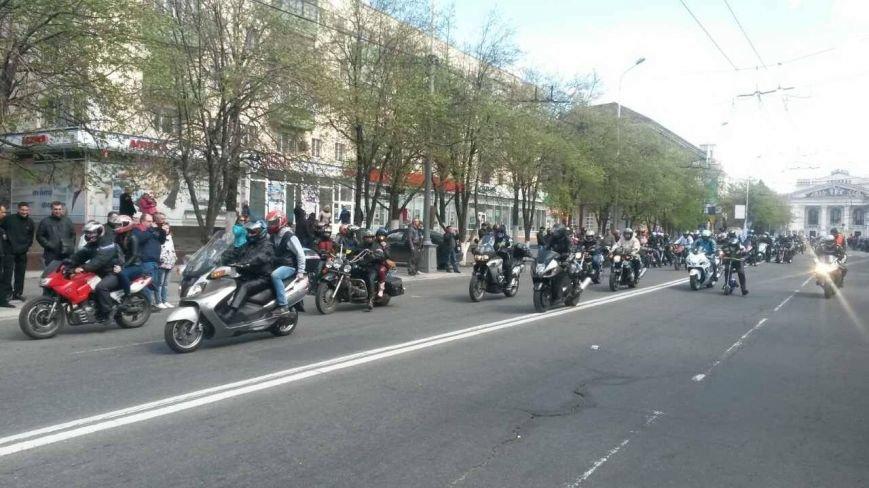 Сотни байкеров проехались по улицам Мариуполя (ФОТО+ВИДЕО), фото-18