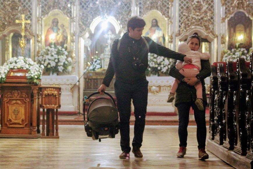 Як ужгородці святили паски у Кафедральному соборі: фоторепортаж, фото-9
