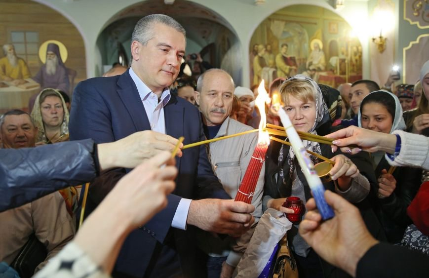 Симферополь встретил Благодатный огонь (ФОТО, ВИДЕО), фото-4