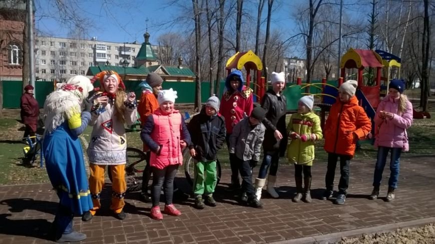 В ульяновском сквере скоморохи устроили веселье. ФОТО, фото-5