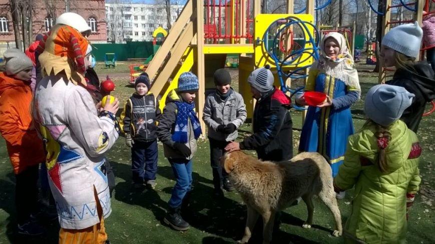 В ульяновском сквере скоморохи устроили веселье. ФОТО, фото-7