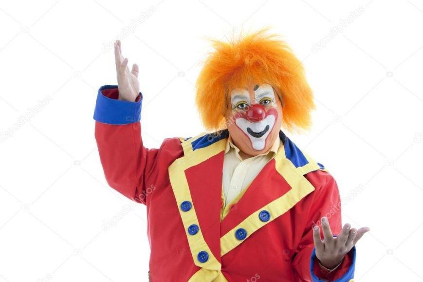 Клоуни залишилися: у супермаркеті Ужгорода чоловік купив квиток у цирк за сувенірні 500 гривень, фото-1