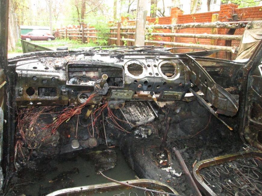 В Одессе на Черемушках горели сразу две машины (ФОТО), фото-10