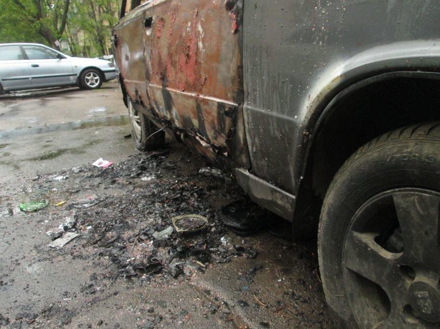 В Одессе на Черемушках горели сразу две машины (ФОТО), фото-7