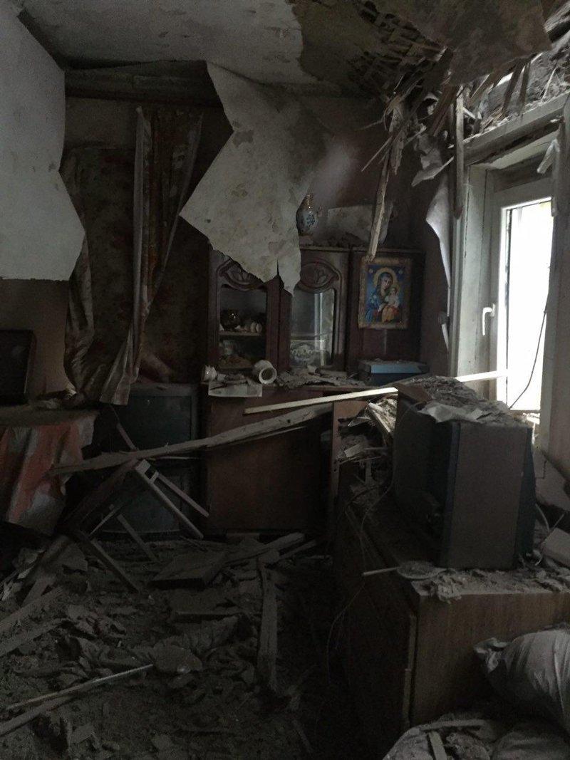 В Авдеевке под обстрелами боевиков вновь оказалась старая часть города, фото-6