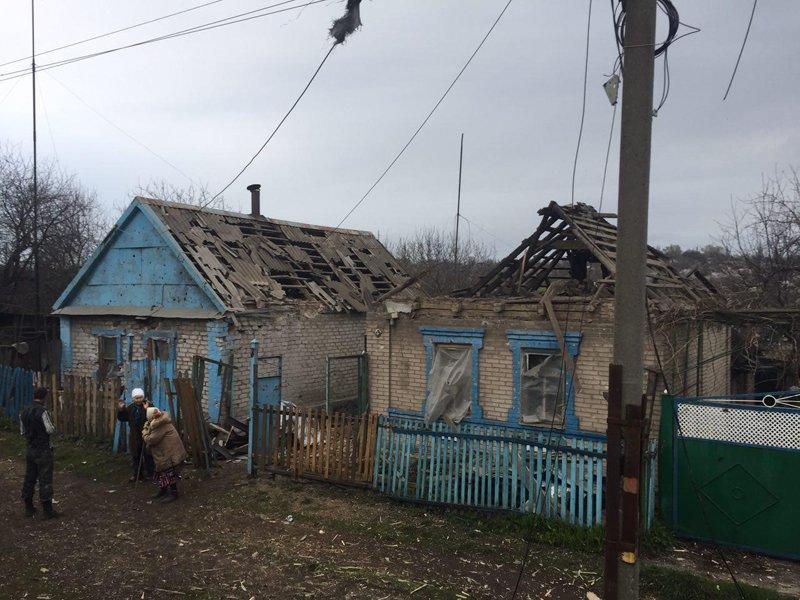 В Авдеевке под обстрелами боевиков вновь оказалась старая часть города, фото-4