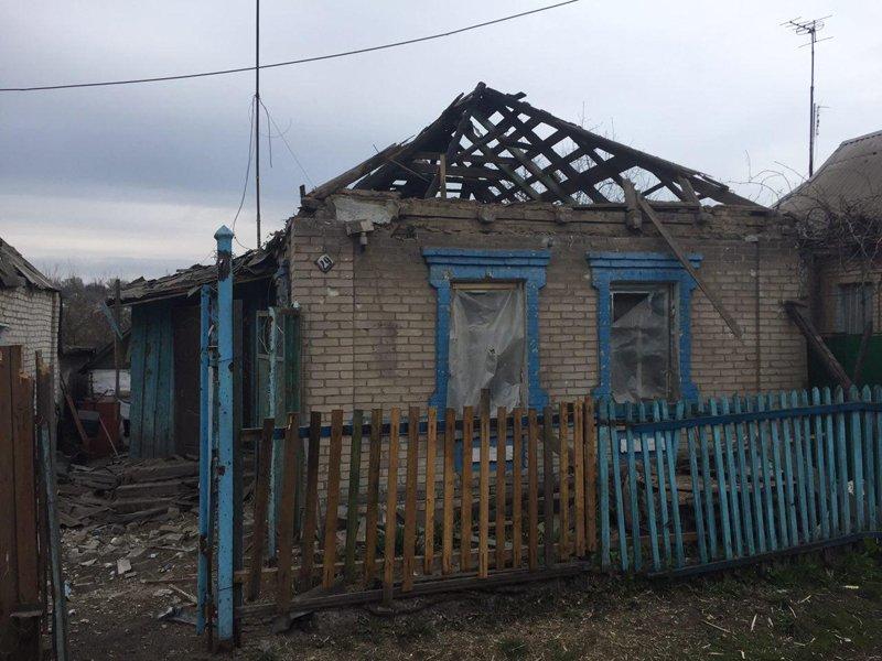 В Авдеевке под обстрелами боевиков вновь оказалась старая часть города, фото-3