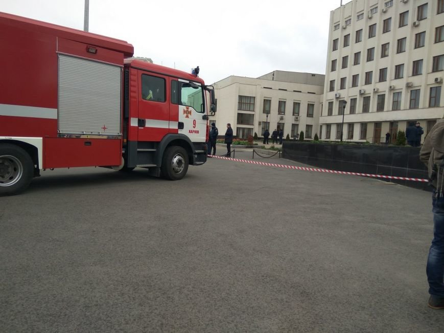 Полиция ищет взрывчатку в институте на проспекте Московском (ФОТО), фото-1