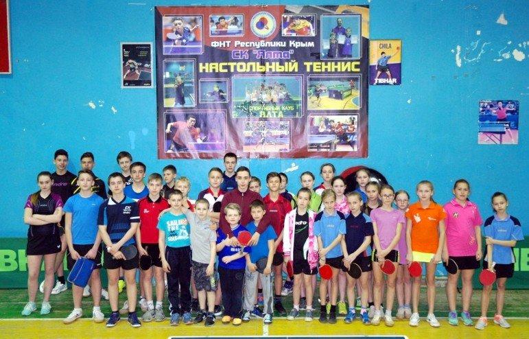 В Ялте определили сильнейших старших юношей по настольному теннису, фото-1
