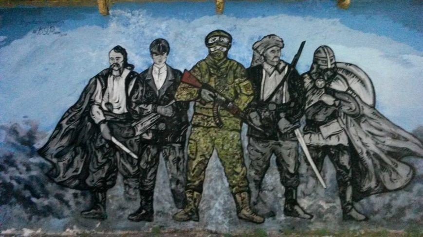 """В Мариуполе восстановили мурал """"Азова"""" (Фотофакт), фото-1"""