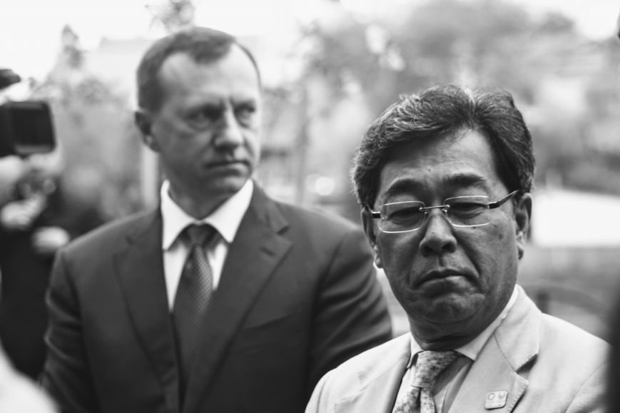 В Ужгороді на Православній набережній та проспекті Свободи дипломат із Японії посадив сакури: фоторепортаж, фото-13