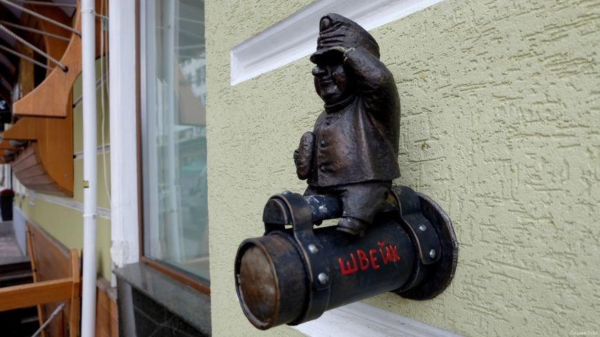 В Одесі вандали украли міні-скульптурку солдата Швейка, встановленого ужгородцями: фото, фото-4