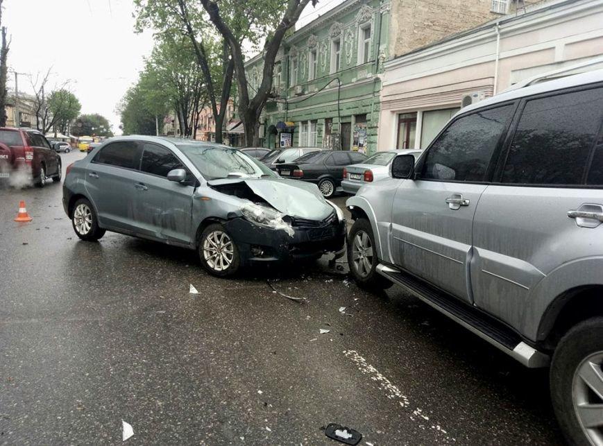 Масштабная авария в центре Одессы: есть жертва (ФОТО), фото-1