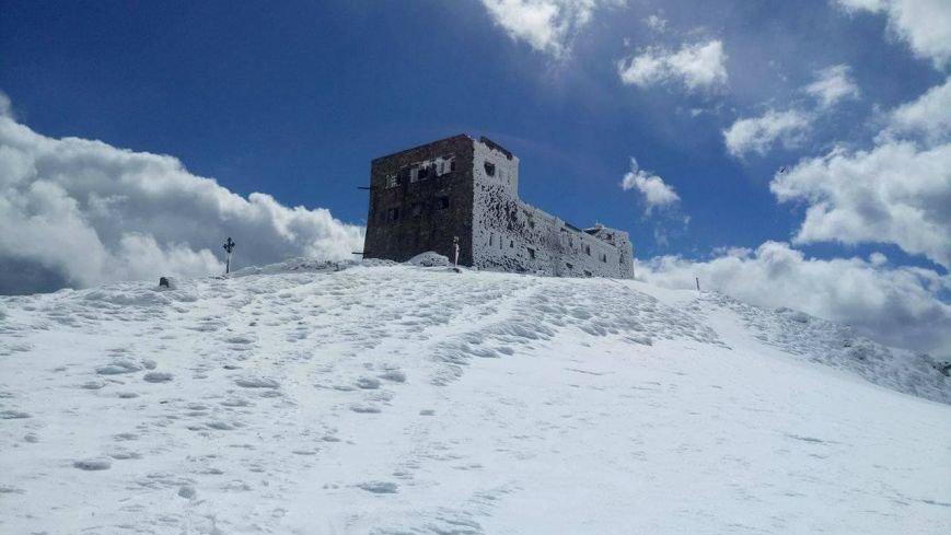 Зима навесні - гора Піп Іван, що на Закарпатті, під щільним покровом снігу: фото, фото-1