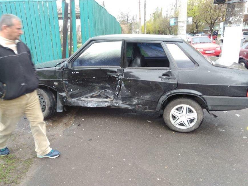 Вблизи автовокзала в Мариуполе столкнулись два авто (ФОТО), фото-5