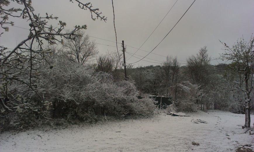 В Крым неожиданно вернулась зима: в Симферополе выпал снег (ФОТО), фото-11