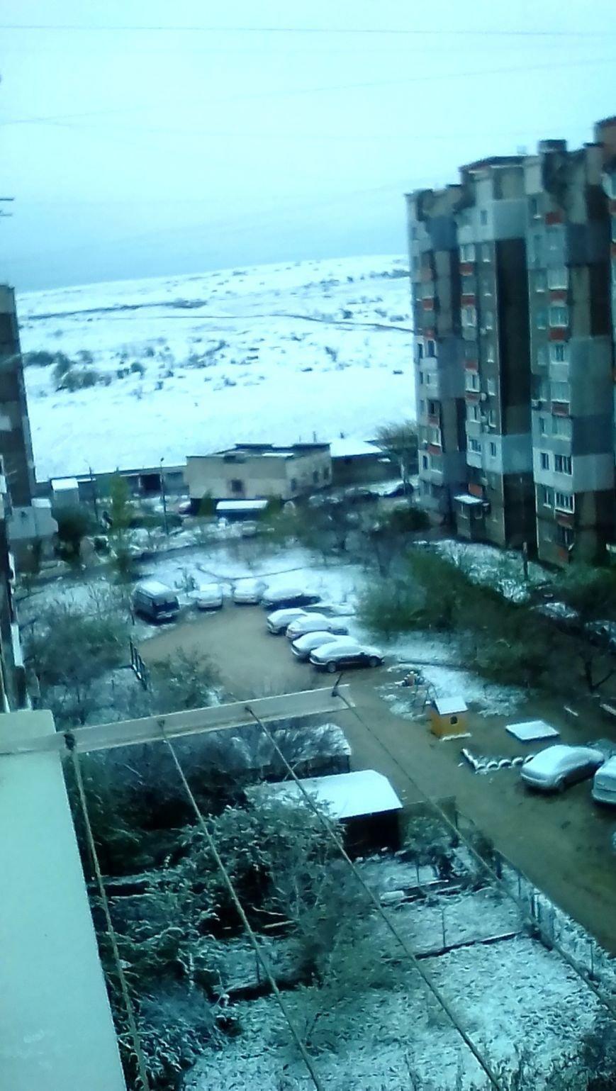 В Крым неожиданно вернулась зима: в Симферополе выпал снег (ФОТО), фото-12