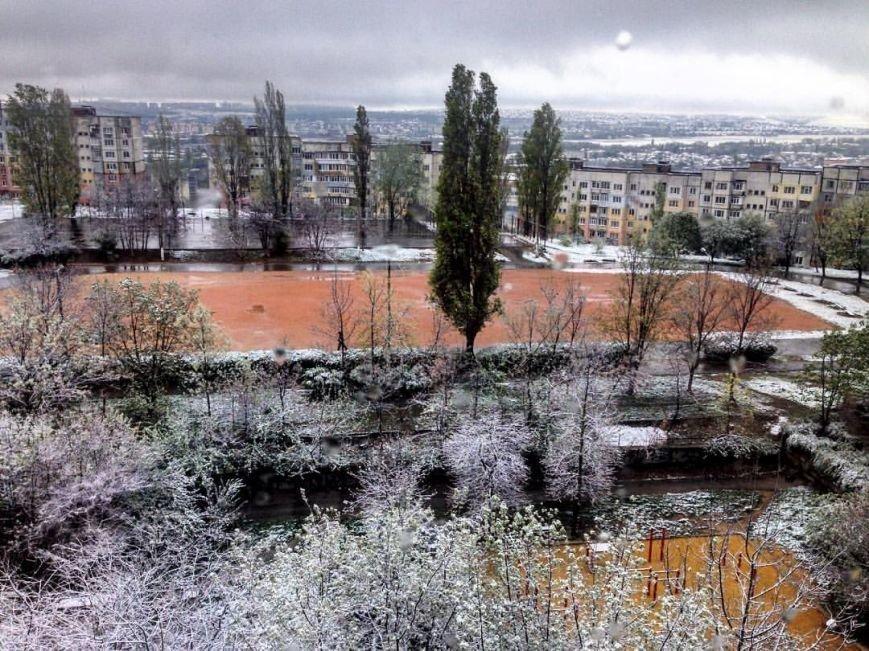 В Крым неожиданно вернулась зима: в Симферополе выпал снег (ФОТО), фото-6
