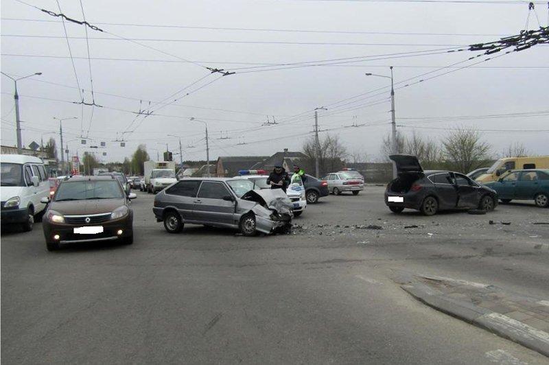 Под Белгородом погибла пассажирка перевернувшейся иномарки, фото-1