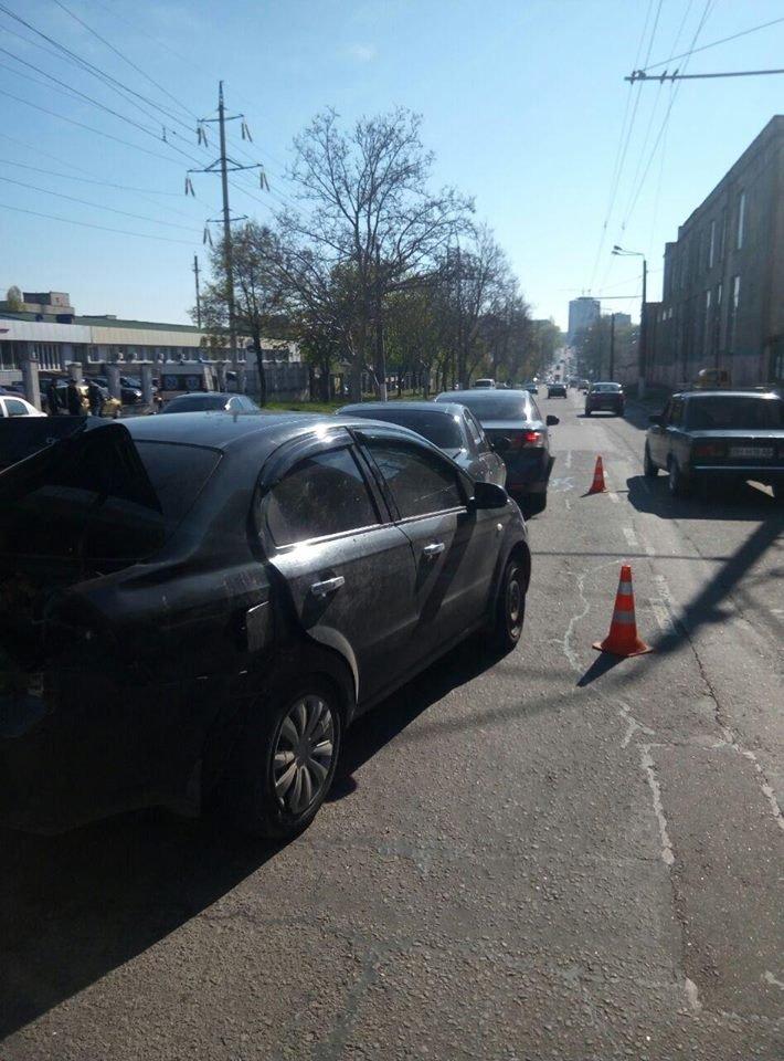 В Одессе на Мельницкой столкнулись 4 авто: Есть пострадавшие (ФОТО), фото-1