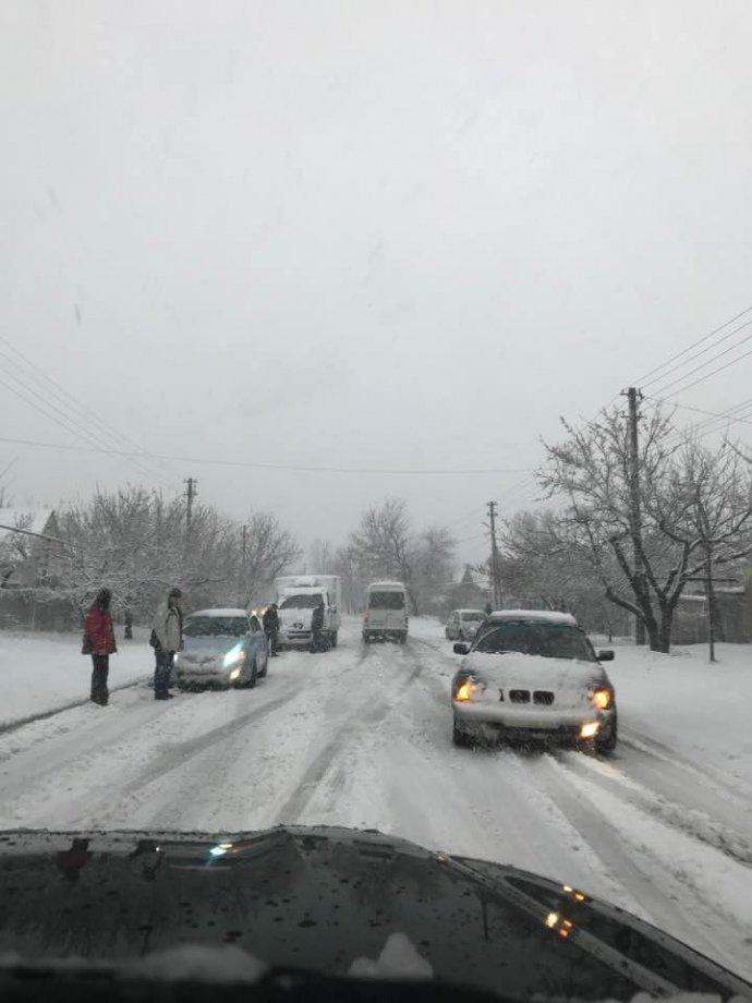 Дніпро і Харківщину замело снігом: рух транспорту обмежено, школи закривають, фото-3