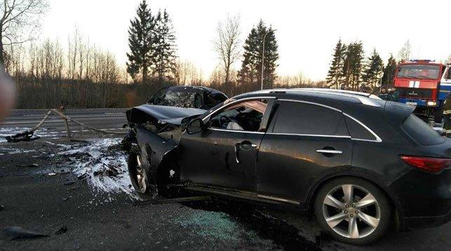 В Дубровенском районе лоб в лоб столкнулись Mazda и Infiniti: погибли два человека, фото-2
