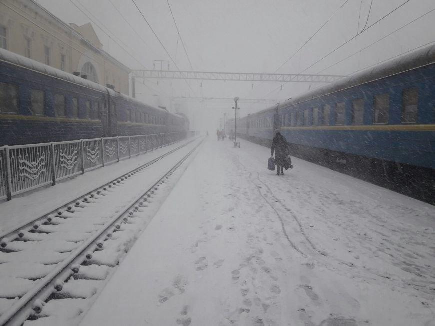 13,5 сантиметров, я в шоке! Девушка измерила ...снежный покров в Одесской области (ВИДЕО), фото-2