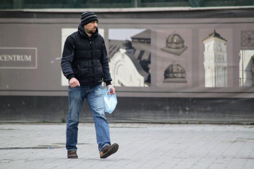 Похолодання в Ужгороді: синоптики чекають на заморозки, сильний вітер та дощ зі снігом (ФОТО), фото-1