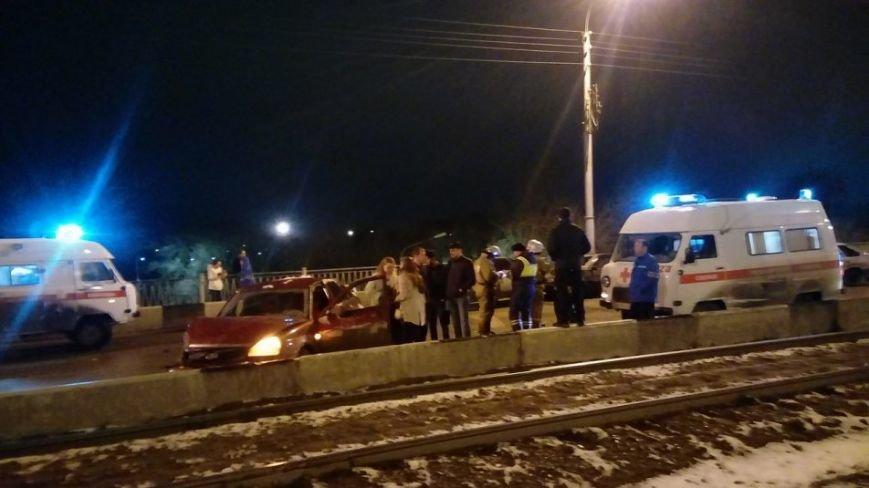 Массовое ДТП произошло в полночь в Ульяновске. ФОТО, фото-1