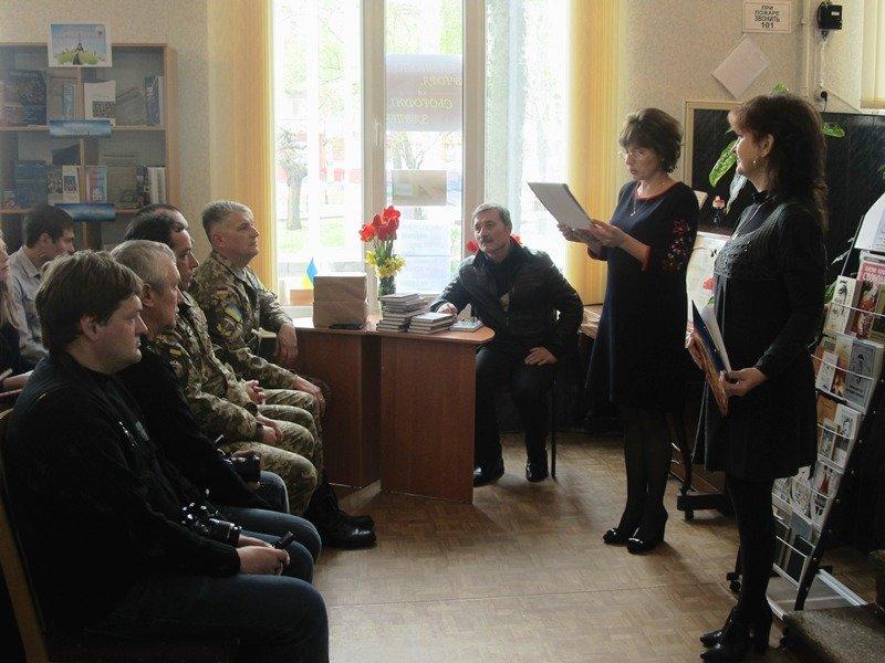 Мелитопольский поэт представил новый сборник стихов, фото-3