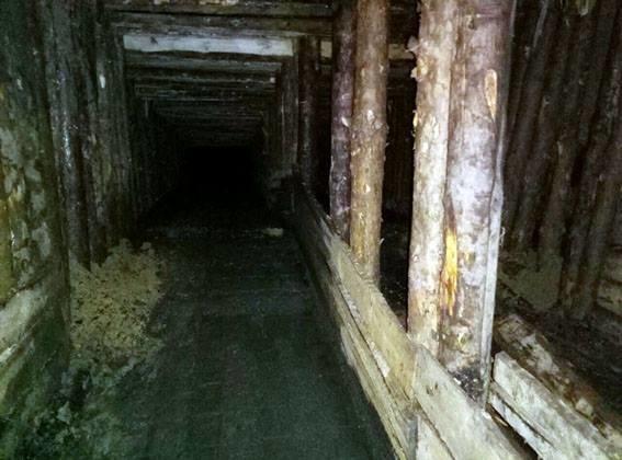 В Донецкой области в прифронтовой зоне выявили нелегальную копанку, на которой работали десять шахтеров, фото-5