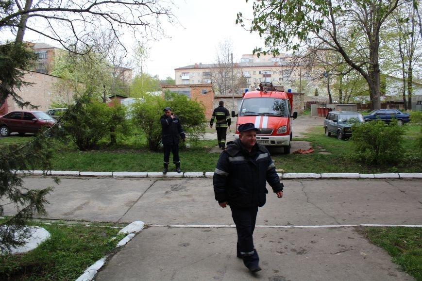 """Вогнеборці рятували студентів від """"пожежі"""" у гуртожитку (ФОТО), фото-1"""