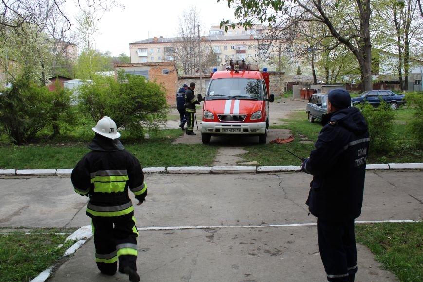 """Вогнеборці рятували студентів від """"пожежі"""" у гуртожитку (ФОТО), фото-2"""