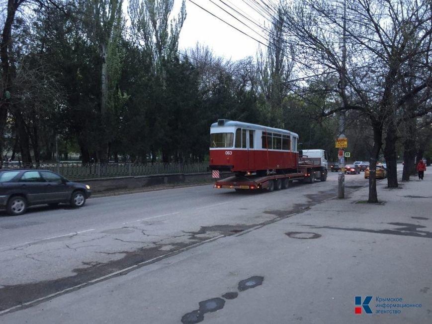 В Симферополе был замечен раритетный трамвай (ФОТОФАКТ), фото-1