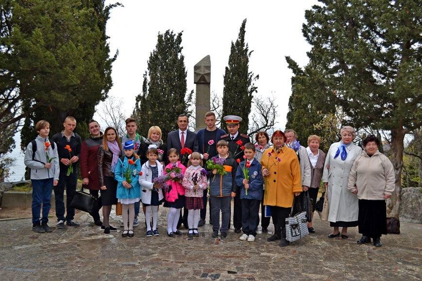В Алупке прошел концерт, посвященный празднованию годовщины освобождения Ялты от немецко-фашистских захватчиков, фото-5