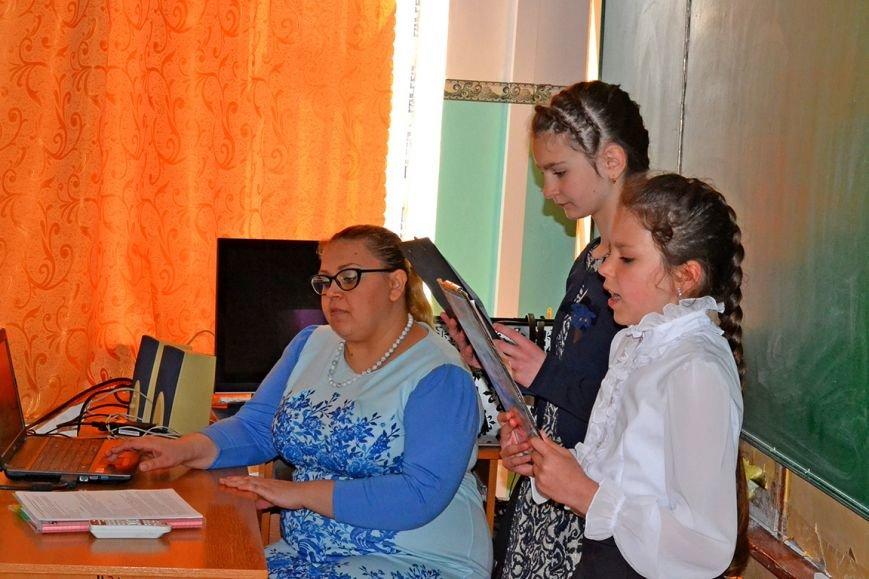 В первой Алупкинской школе прошел урок, посвященный дню освобождения Ялты от немецко-фашистских захватчиков, фото-3