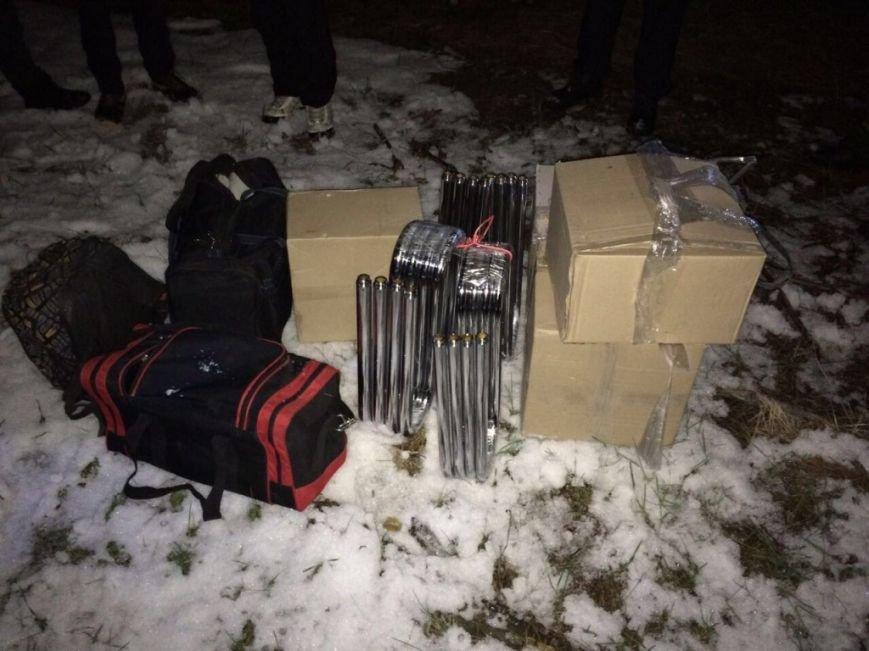 Двадцать метров до России: на Харьковщине пограничники не дали вывезти в РФ контрабанду сантехники, фото-1