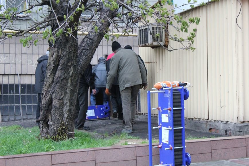 Мариупольским студентам подарили теплообменники, но горячей воды летом не пообещали (ФОТО), фото-7